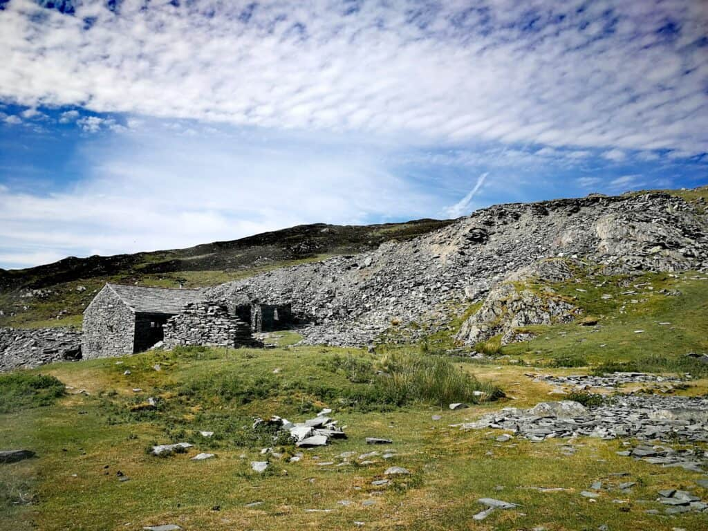 The hut at Dubs Quarry on the way to Fleetwith Pike