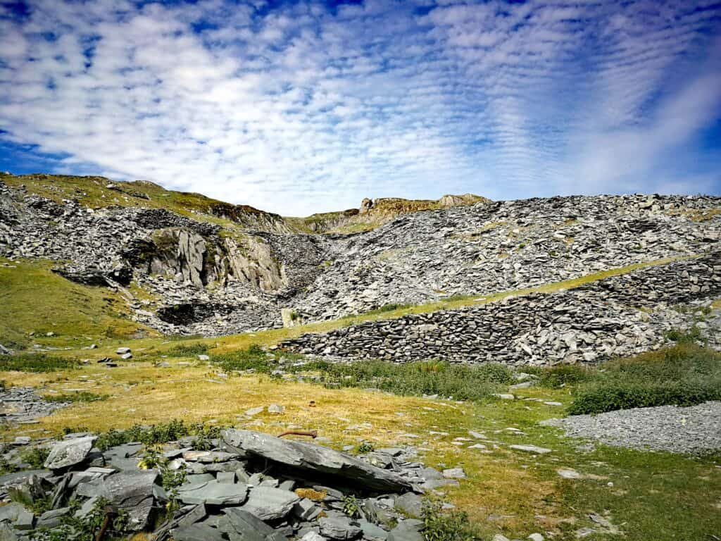 The slate at Dubs Quarry and the faint paths
